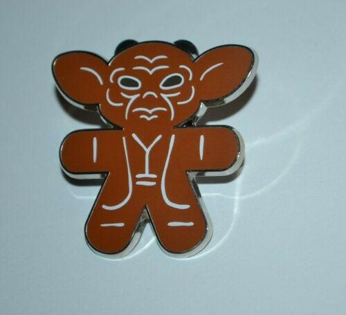 Disney Yoda Star Wars Gingerbread Mystery Collection Pin 107221