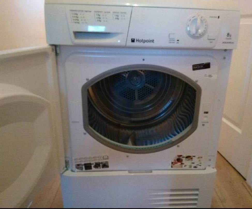 Condenser Tumble Dryer 8kg Hotpoint In Larkhall South