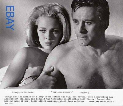Kirk Douglas Barechested Faye Dunaway Vintage Photo The Arrangement