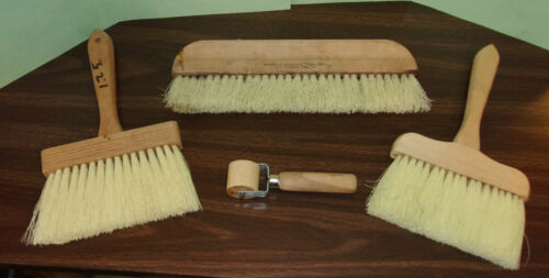 Lot of 3 Wallpaper Smoothing Brushes & 1 Seam Roller