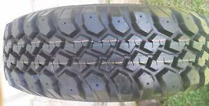 MUD TYRE 30X9.5R15 M/T 100% ON 15X7 SUNRAYSIA WHEEL 6 STUD 4X4 Kallangur Pine Rivers Area Preview