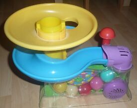 PLAYSCHOOL BUSY BALL POPPERS age 9 months +