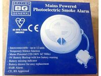 MAINS WIRED PHOTOELECTRIC SMOKE ALARM WITH BATTERY BACKUP INCLUDED