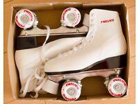 Freesport retro style quad roller skates
