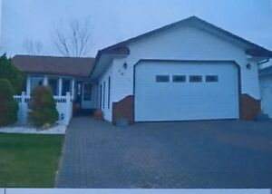 **AMAZING** 5 Bedroom House for RENT