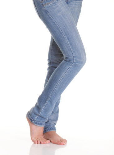 How to Choose the Right Type of Jeans for Your Figure