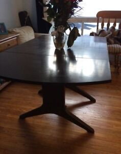 Beautiful Real Wood Dining Table $40 or best offer!
