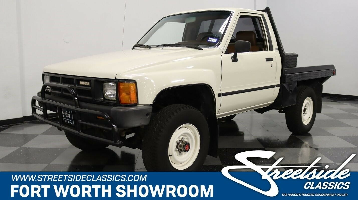 Stock Survivor w/ Custom Bed, 2 Owners, Actual Miles, 2.4L 4 Cyl, 5 Spd Man, A/C