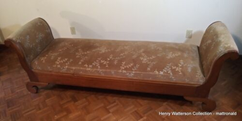Early American Fainting Couch Day Bed Primitive