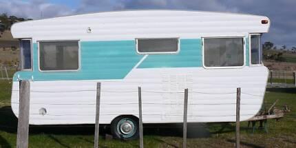 1960's Viscount Vintage Caravan
