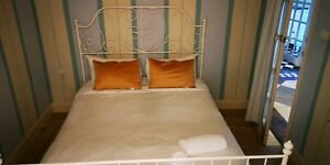 Queen bed for Fast sale moving