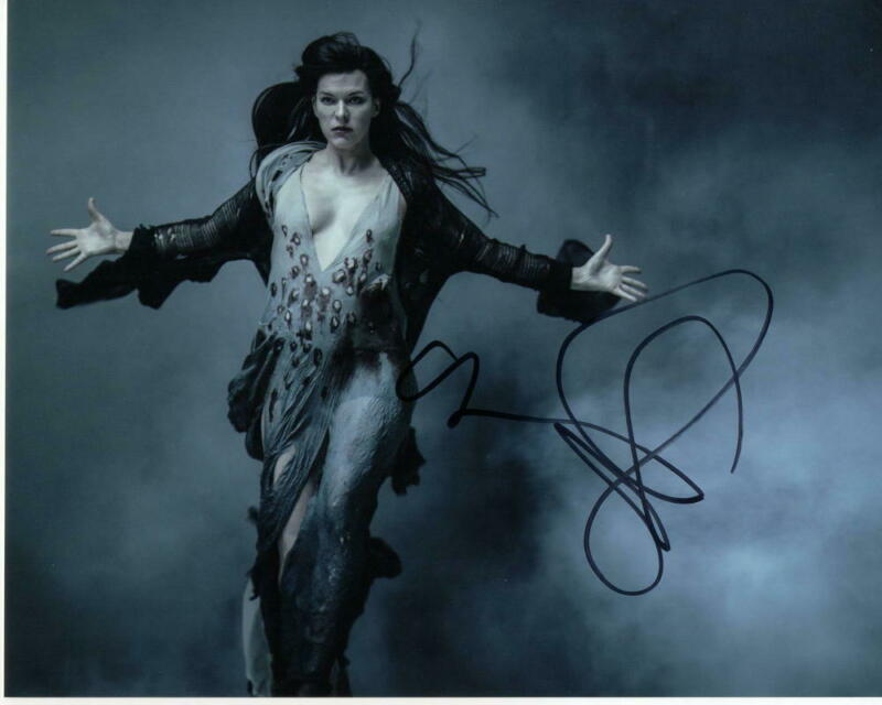 MILLA JOVOVICH SIGNED AUTOGRAPHED 8X10 PHOTO - SUPER SEXY, ALICE RESIDENT EVIL