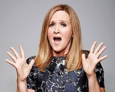 Samantha Bee   Full Frontal 8 X 10   8X10 Glossy Photo Picture