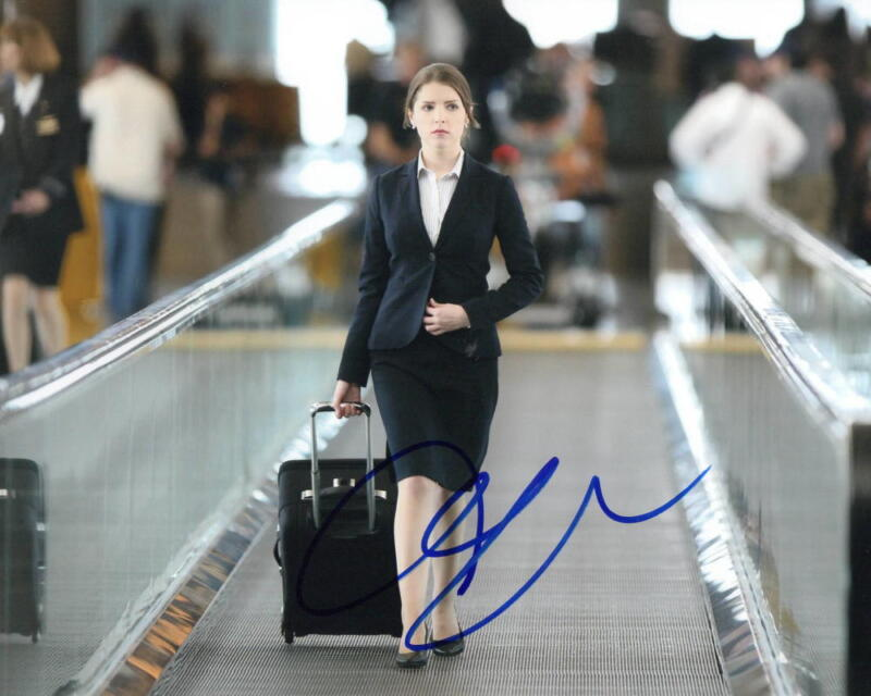 ANNA KENDRICK SIGNED 8X10 PHOTO AUTHENTIC AUTOGRAPH UP IN THE AIR COA C