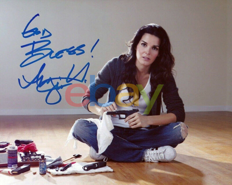 ANGIE HARMON SIGNED 8X10 PHOTO RIZZOLI AND ISLES LAW AND ORDER AUTOGRAPH reprint