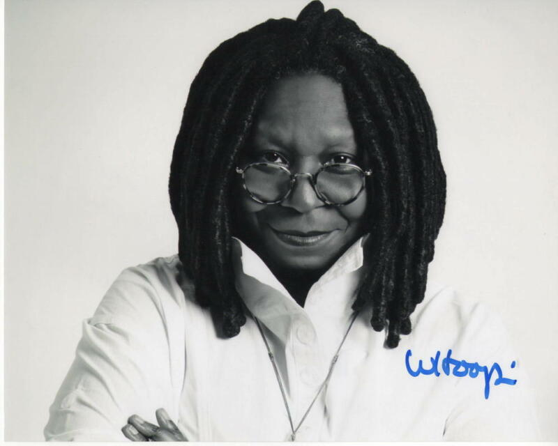 WHOOPI GOLDBERG SIGNED AUTOGRAPHED 8X10 PHOTO - THE VIEW, SISTER ACT, EDDIE