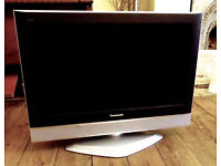 panasonic viera tx-26lxd52 lcd tv. free view build in. fully working