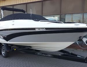 SALE - 2016 Campion 700 Chase - 25' BR & Trailer