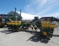 John Deere 7200 12 Row Planter