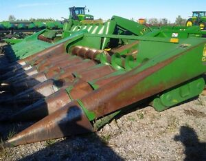 1985 John Deere 643 Corn Head