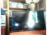 """Toshiba 32"""" inch Tv Mint condition, with wall bracket,"""