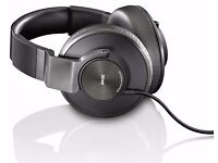 AKG K550 Closed-Back Noise Isolating Reference Class Headphones with Large Earcups