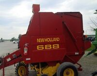 New Holland 688 Round Baler