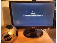 """Lg 19"""" flat screen monitor (W1943SB-PF) quick sale"""