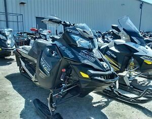 2016 Ski-Doo Renegade 800 XRS Snowmobile