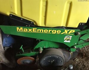 2010 John Deere 1750 Planter Kitchener / Waterloo Kitchener Area image 3