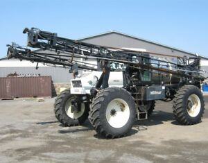 Willmar 8400 Sprayer