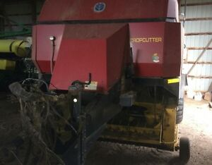 2003 New Holland BB940 Square Baler
