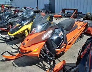 2015 Ski-Doo Renegade 800X Snowmobile