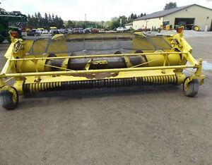2004 John Deere 640B Windrow Head