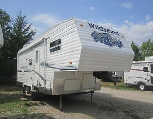 2005 Forest River Wildwood F23 Fifth Wheel