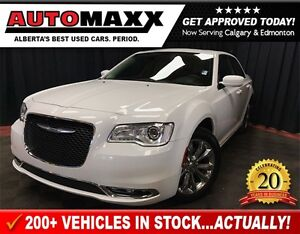 2016 Chrysler 300 Limited AWD w/Leather/Nav/Roof!