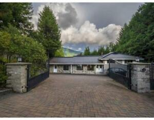 106 BONNYMUIR DRIVE West Vancouver, British Columbia