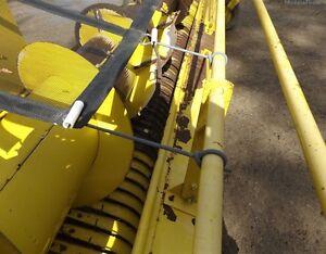 2004 John Deere 640B Windrow Head Kitchener / Waterloo Kitchener Area image 4