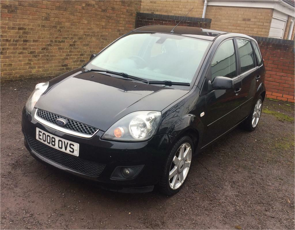 Ford Fiesta Zetec 2008. Low mileage. New mot. Great condition