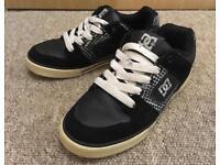 Size 4 DC ladies skate shoes