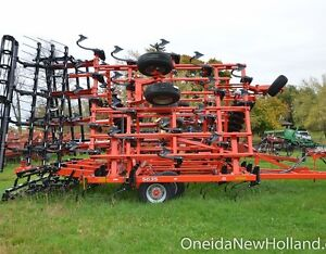 New KUHN 5635 Cultivator