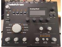 Elektron Analog Heat - 8 months old mint - Audio enhancer. Audio destroyer.