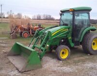 2009 John Deere 4720 4WD Compact Tractor with Loader