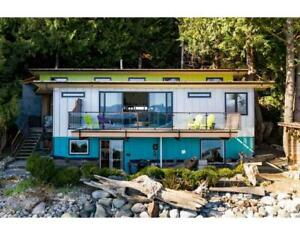 1512 TIDEVIEW ROAD Gibsons, British Columbia