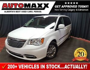 2014 Chrysler Town & Country Touring-Leather!