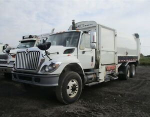 2009, International 7400, T/A Garbage Truck