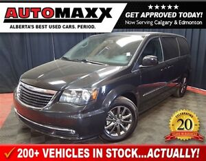 2015 Chrysler Town & Country S Lthr, Nav, DVD!