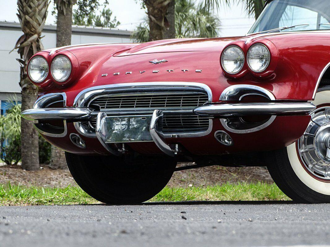 1961 Honduras Maroon Chevrolet Corvette   | C1 Corvette Photo 4