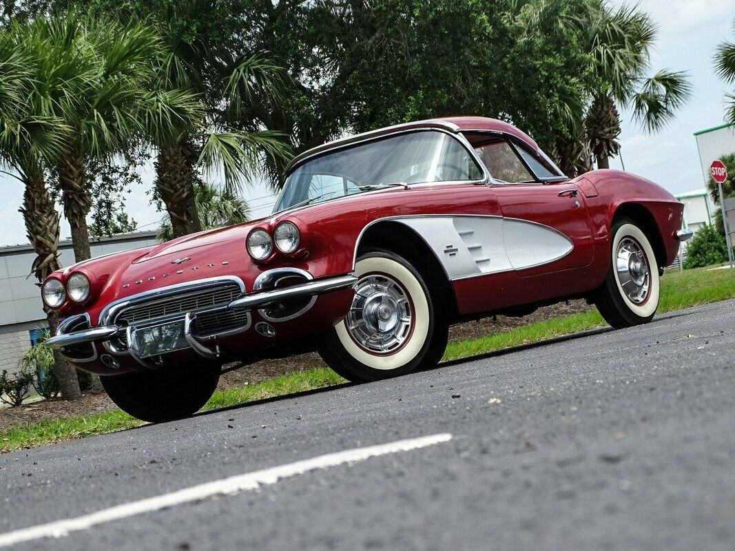 1961 Honduras Maroon Chevrolet Corvette   | C1 Corvette Photo 2