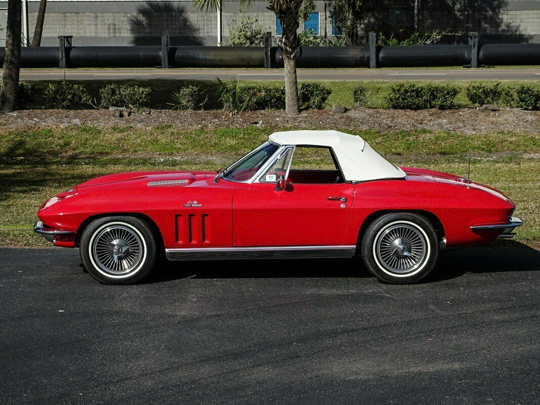 1966 Red Chevrolet Corvette Convertible    C2 Corvette Photo 7